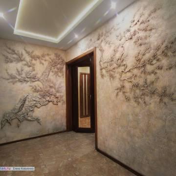 Сакура • барельеф на стене в прихожей