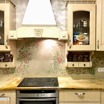 Роспись фартука на кухне