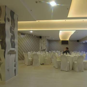 Колонны ресторана • Декоративная отделка 3D рисунками